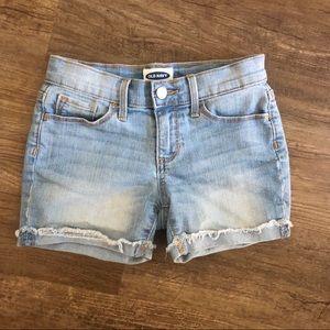 Girls' light wash jean shorts